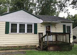 E Monroe Ave, Fairfield, IA Foreclosure Home