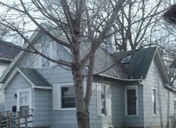 E 13th St, Davenport, IA Foreclosure Home