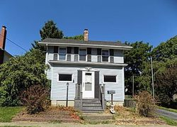 N Chestnut St, Litchfield, IL Foreclosure Home