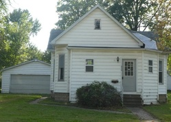 S Maple St, Nokomis, IL Foreclosure Home