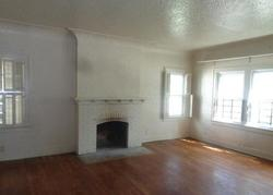 W Hamilton Ave, Flint, MI Foreclosure Home