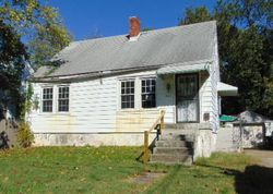 Peachtree Ave, Louisville, KY Foreclosure Home