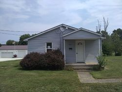 Cleveland St, Jerseyville, IL Foreclosure Home
