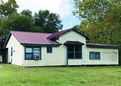 E 13th St, Mount Pleasant, TX Foreclosure Home