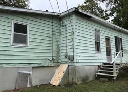 E Pettis St, Tipton, MO Foreclosure Home