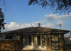 Greenbay Ave, Lansing, IL Foreclosure Home