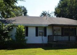 Green Tree Dr, Talladega, AL Foreclosure Home
