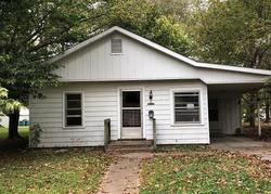 Lindell Ave, Murphysboro, IL Foreclosure Home