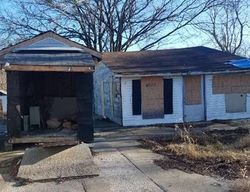 Lake Dreamland Dr, Louisville, KY Foreclosure Home