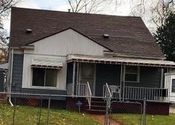 Edwards Ave, Flint, MI Foreclosure Home