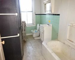 E Broad St, Burlington, NJ Foreclosure Home