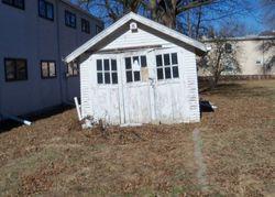 E 10th St, York, NE Foreclosure Home