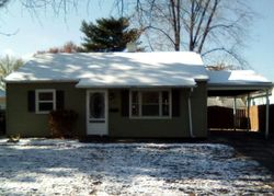 S 14th St, Wood River, IL Foreclosure Home