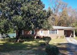 Ticonderoga Cir, Hixson, TN Foreclosure Home