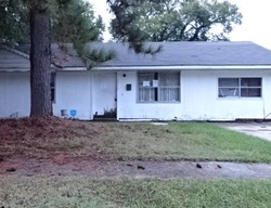 E Upland Ave, Baton Rouge, LA Foreclosure Home
