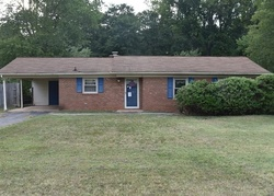 Twin Pines Dr, Kernersville