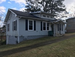 S Watauga Ave, Elizabethton, TN Foreclosure Home