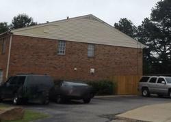Fox Hunt Ln, Memphis, TN Foreclosure Home