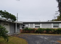 Kumquat Ave, Seminole