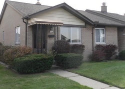 18 Mile Rd Apt 81, Sterling Heights