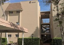 Glen Oaks Dr E Unit, Sarasota