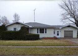 E Walsh St, Centerville, IA Foreclosure Home