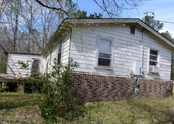 Carver St, Alexander City, AL Foreclosure Home