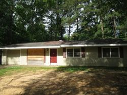Charleston Dr, Jackson, MS Foreclosure Home