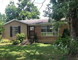 Candace St, Campbellsville, KY Foreclosure Home