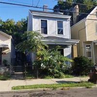 E 18th St, Covington, KY Foreclosure Home