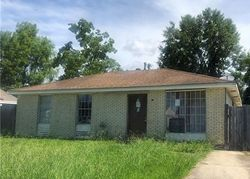 Elaine Dr, Westwego, LA Foreclosure Home