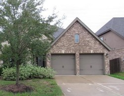 Mooring Pointe Dr, Pearland