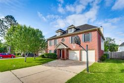 Chesterwood Dr, Pearland