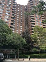 E Broadway Apt B302, New York