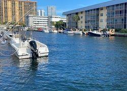 Ne 170th St Apt 412, North Miami Beach