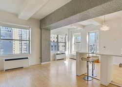Broad St Apt 3500, New York
