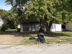 Lake Park Rd, Memphis, TN Foreclosure Home