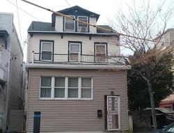 Saint Marks Pl, Staten Island