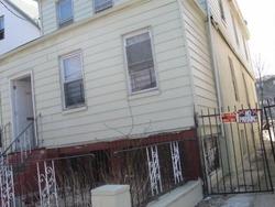 E 220th St, Bronx