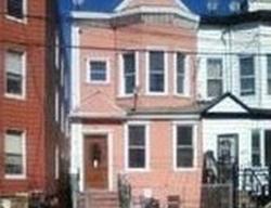 E 185th St, Bronx
