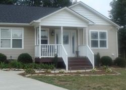 Willa Place Dr, Kernersville
