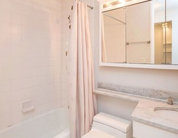 W 49th St Apt 2v, New York