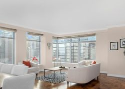 E 54th St Apt 34d, New York