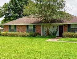 Round Oak Dr, Baton Rouge