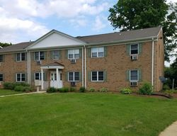 Windsor Ter Apt F, Freehold