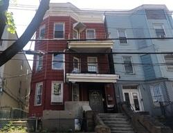 E 181st St, Bronx