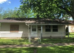 Center St, Fort Wayne, IN Foreclosure Home