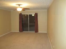 Village Dr Apt C13, Lexington, KY Foreclosure Home