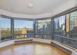 W 57th St Apt 27d, New York