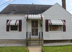 Yale St, Flint, MI Foreclosure Home